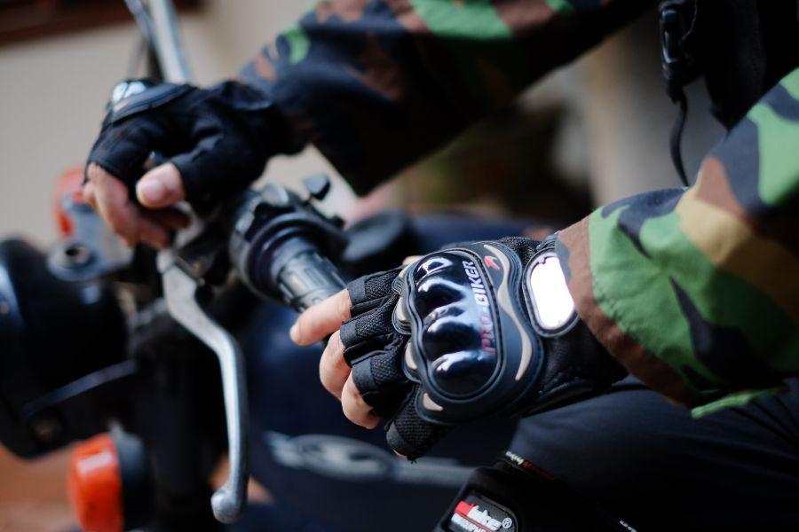 Găng tay cụt ngón đi xe máy Probiker